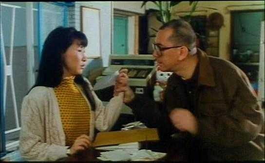 韩国三级网洗头房的特殊服务2003年出演SBS周末剧太阳南边饰演民珠2004年出演KBS电视剧爱情的条件饰演罗爱莉以及SBS电视剧兴夫家的葫芦开了同年参演了恐怖片幽灵鬼屋.(图44)